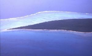 A piedi lungo la spiaggia di Uoleva-Isole Tonga